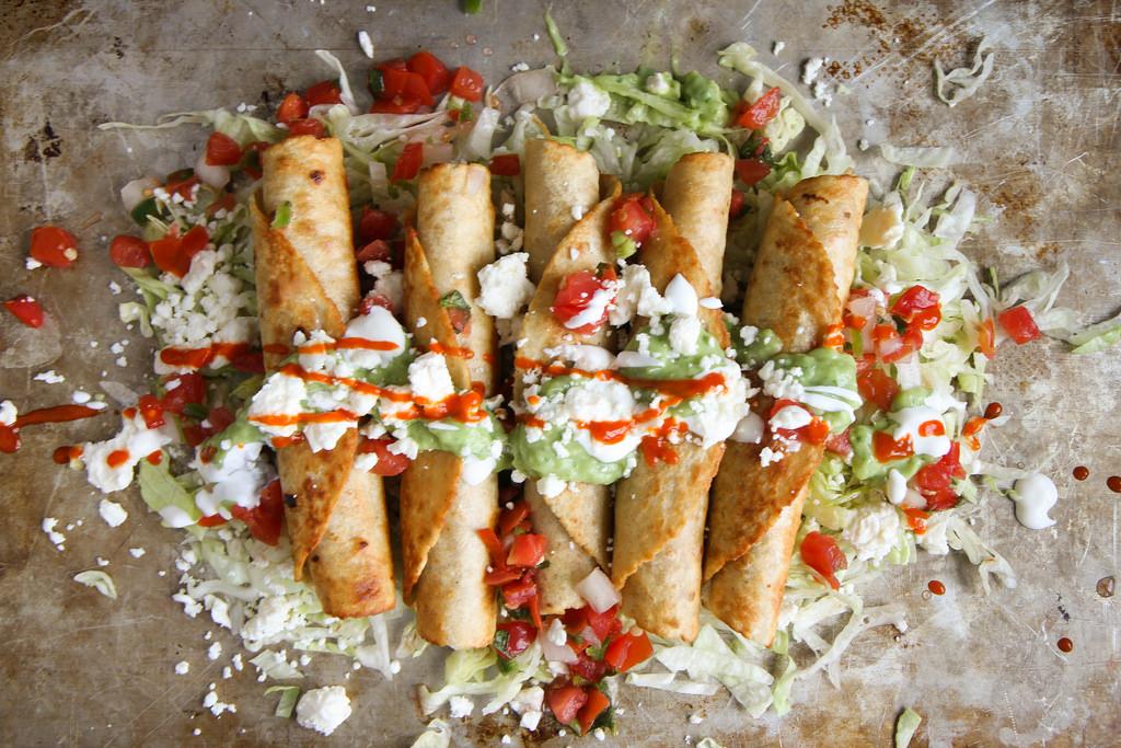 flautas mexican dish